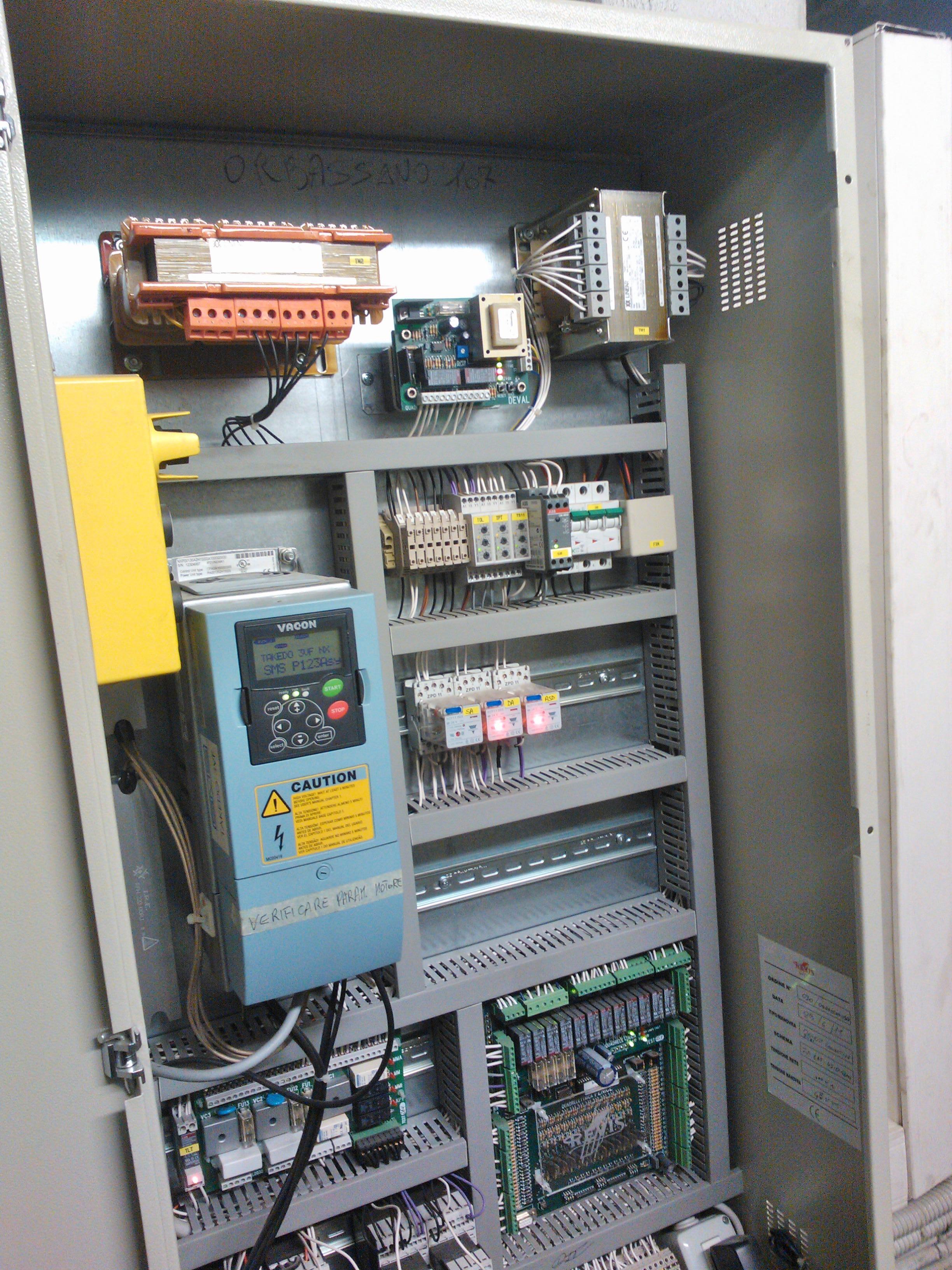 Schemi Elettrici Quadri Ascensori : Quadri elettrici di manovra r ev i s